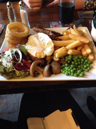 Horse and Jockey Restaurant: Lovely mix grill