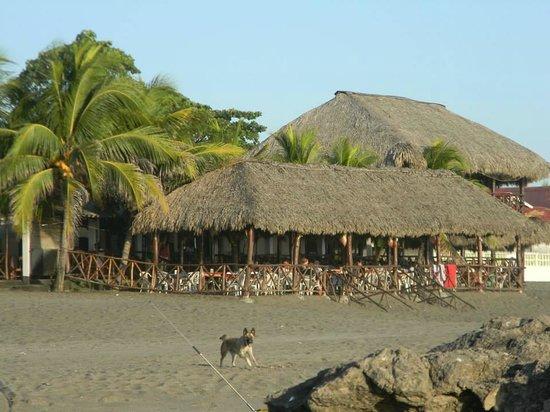 Hotel Suyapa Beach: El hotel y el resturante