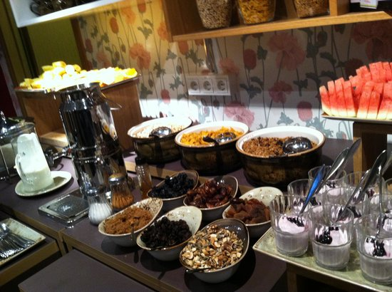Icelandair Hotel Reykjavik Marina : breakfast buffet