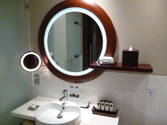 Sofitel Dubai Jumeirah Beach : bathroom