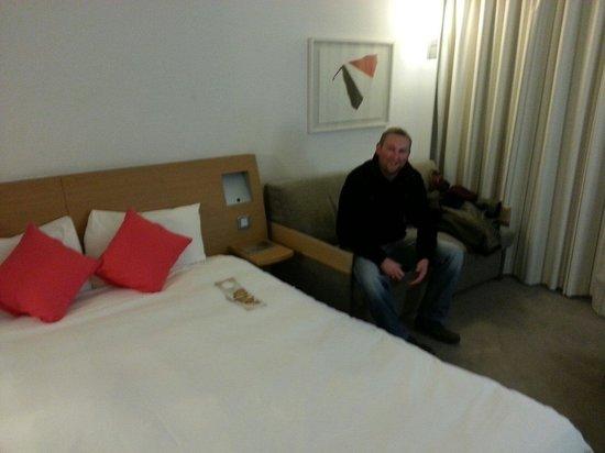 Novotel Edinburgh Centre : Bed