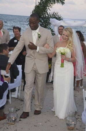 Wyndham Deerfield Beach Resort: Beach wedding