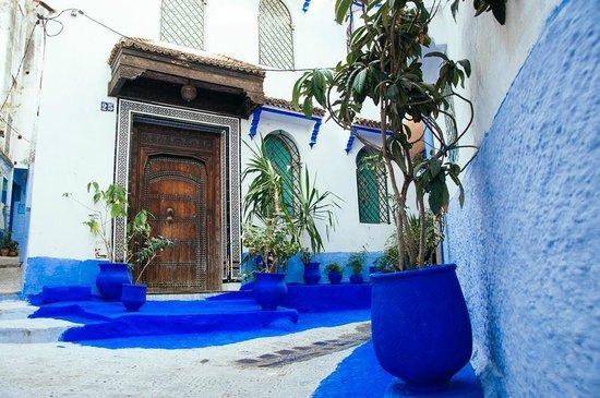 Altstadt von Chefchaouen: and more blue…