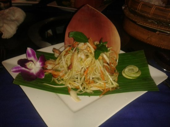 Cambodian BBQ Restaurant: ensalada