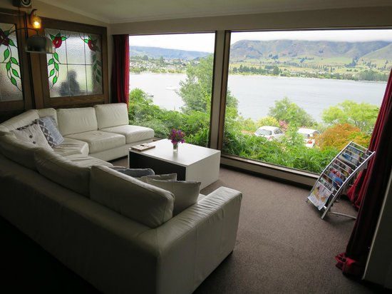Wanaka Bakpaka : View from from the lounge
