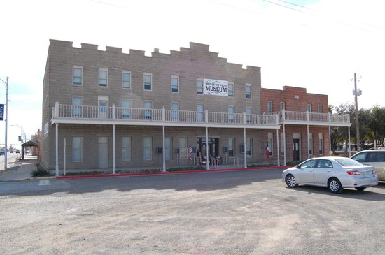 Pecos, TX: Outside the Museum