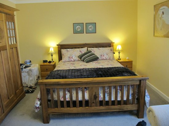 Walton House Bed and Breakfast : Very comfy bed