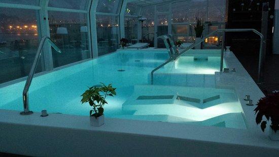 Gran Hotel Nagari Boutique & Spa: Foto nocturna del SPA...