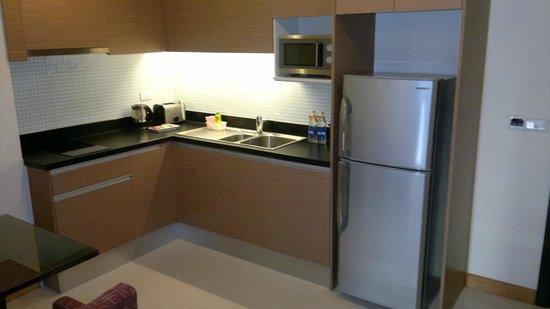 Lohas Residences Sukhumvit : kitchen in the room
