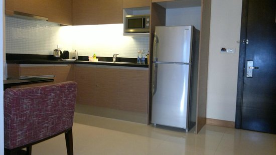 Lohas Residences Sukhumvit : kitchen in the room