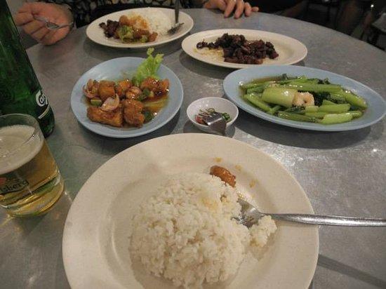 Tek Sen Restaurant : 夕食