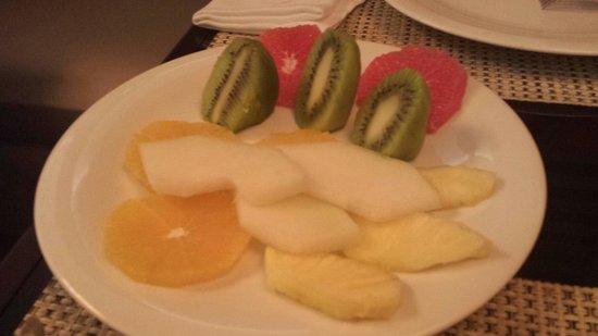 Gran Hotel Nagari Boutique & Spa: Variado de fruta del desayuno....