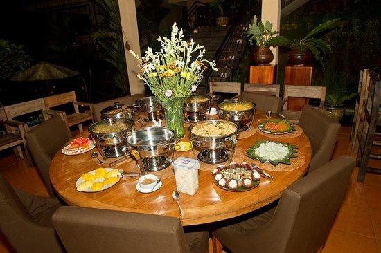 Villa Selat : Christmas dinner prepare by Dewa