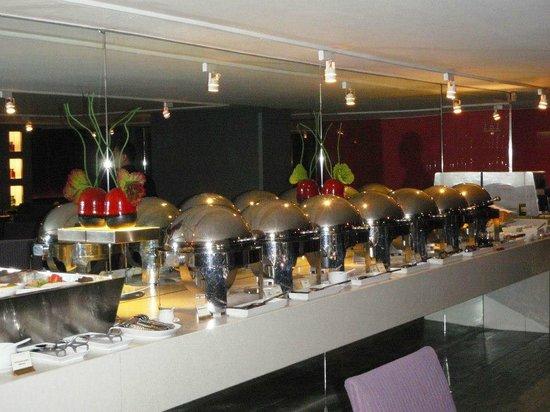 BelAire Bangkok: Breakfast Room
