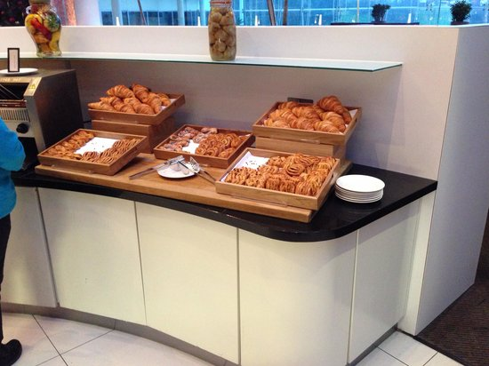Hilton London Heathrow Airport: Fresh pastries