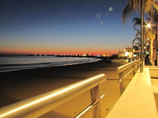 Residence Portovenere: Lungomare pedonale Marina di Ragusa