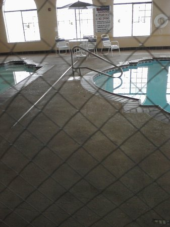 Comfort Inn & Suites : Pool/spa