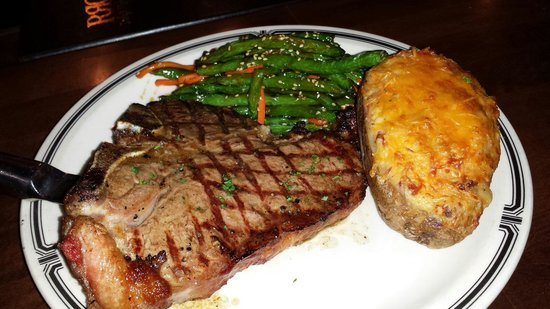 Rudy's Redeye Grill: T-Bone and twice baked potatoes