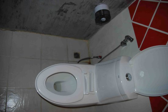 Tharathip Resort: Toilette