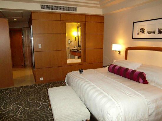 Pan Pacific Manila: DXスイートベッドルーム①
