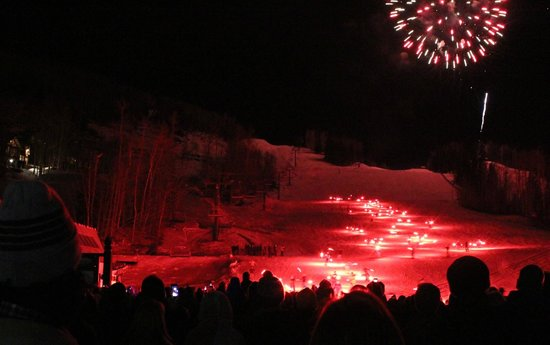 Madeline Hotel & Residences, Auberge Resorts Collection : New Year's Eve glow skiers and fireworks