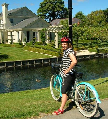 Christchurch Bike & WalkingTours: Mona Vale Estate