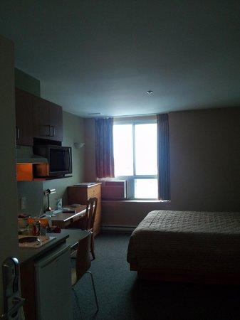 Hotel Les Suites Labelle : QUEEN STUDIO RM #807