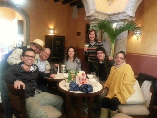 La Rojena: Bar