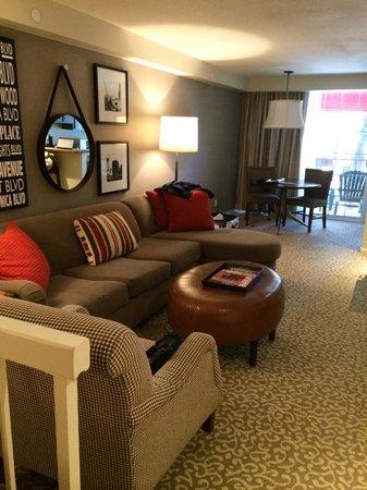 Le Parc Suite Hotel: リビング