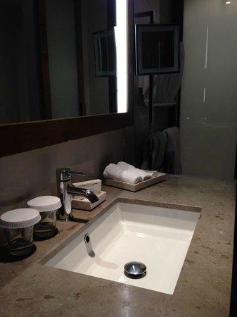 Hilton Melbourne South Wharf : in the bath room