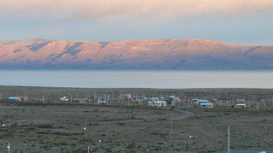 Alto Calafate Hotel Patagonico: amanecer desde el hotel