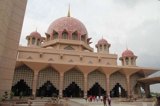 Mosquée de Putrajaya : The mosque