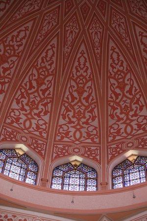 Mosquée de Putrajaya : The dome from inside