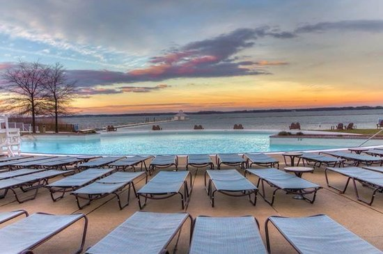 Hyatt Regency Chesapeake Bay Golf Resort, Spa & Marina: Sunset by the pool!