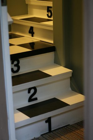 mulBerryLand Guest House: Fun staircase leading up to your suite