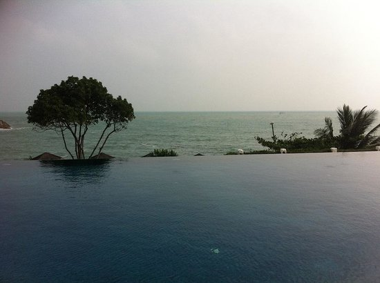 The Tongsai Bay : Half Moon Pool
