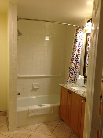 Marriott's Cypress Harbour: extra bathroom