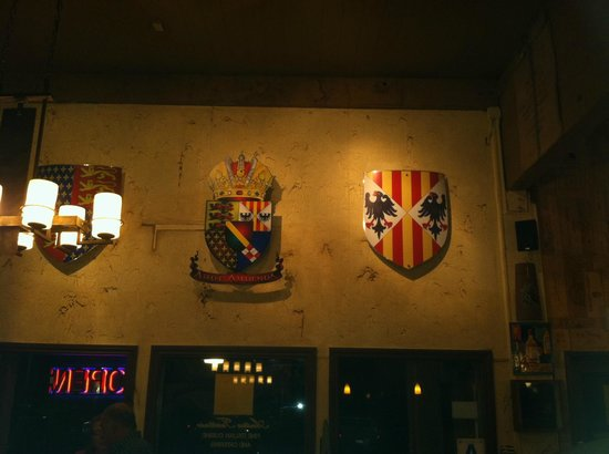 Antica Trattoria: The Decorations on the Walls