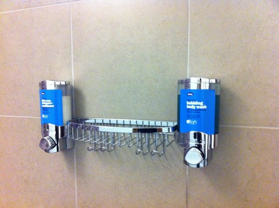 Aloft Kuala Lumpur Sentral : Dispensers in the shower