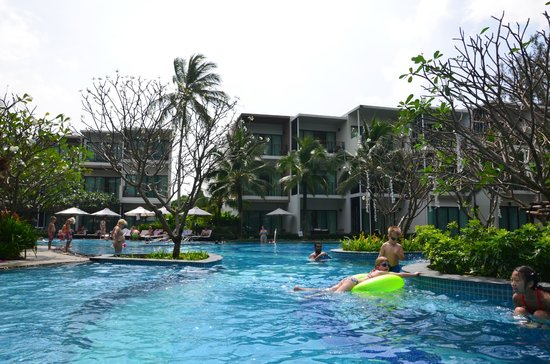 Holiday Inn Phuket Mai Khao Beach Resort: From pool looking at apartments