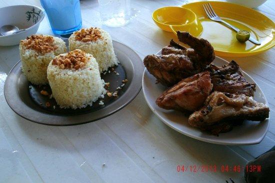 Puka Grande Restaurant: Garlic Rice and BBQ Chicken