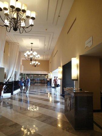 Omni Cancun Resort & Villas : Lobby