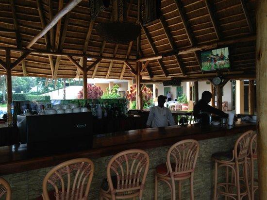 Le bar près de la piscine