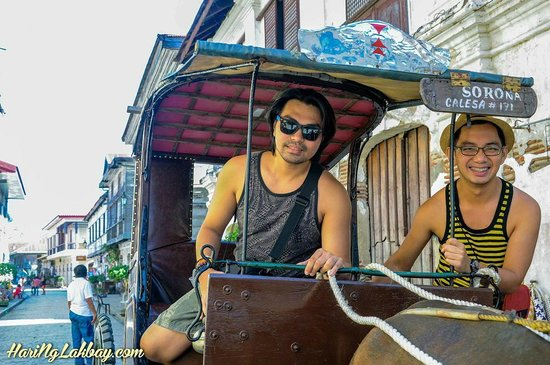 El Juliana: We rent a Kalesa to get around Vigan for a day