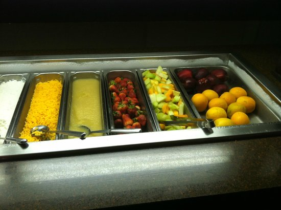 Clarion Hotel & Conference Center: Breakfast