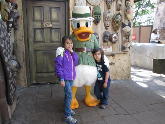 Lunch with Safari Donald Duck @ The Tusker House, Animal ...