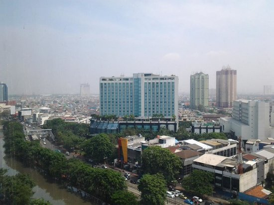 Swiss-Belhotel Mangga Besar: The view from our room