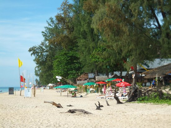 long beach / phra ae beach