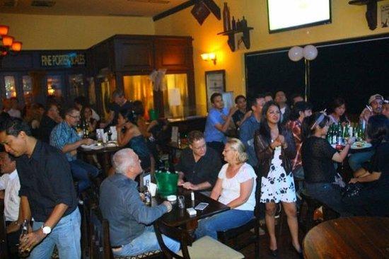 Murphy's Irish Pub & Restaurant: Chilling in the Irish Pub