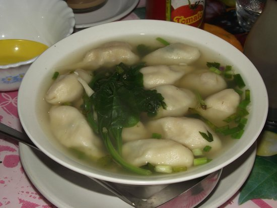 Tibetan Chefs Restaurant: Momo's with soup.